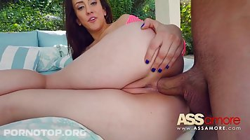 Mandy Muse is putting her fingers in her tight ass and preparing it for a hard penis