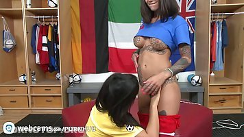 Rose Monroe and Bonnie Rotten got down and dirty with each other, in front of the camera
