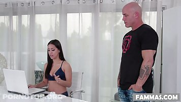 Alina Lopez and Derrick Pierce are fucking like two wild animals in a VIP massage room